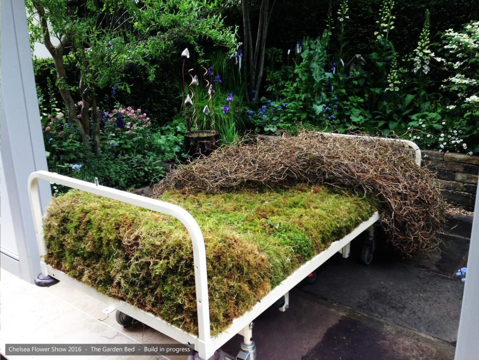 24-chelsea-flower-show-2016-garden-bed-building