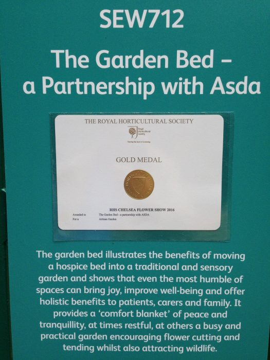 37-chelsea-flower-show-2016-garden-bed-gold-medal-award