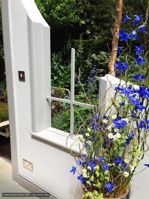 40-chelsea-flower-show-2016-garden-bed-floristry