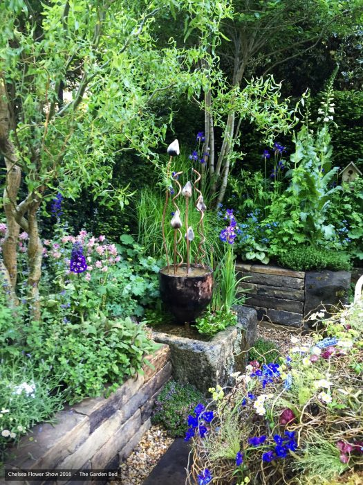 44-chelsea-flower-show-2016-garden-bed-water-feature-planting