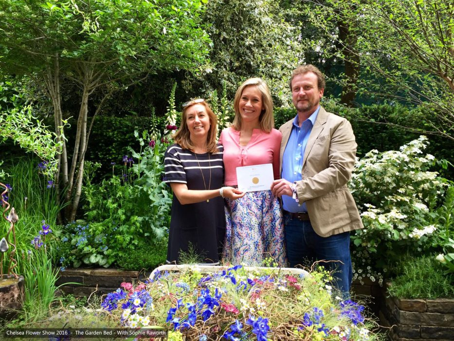 90-chelsea-flower-show-2016-garden-bed-gold-medal-stephen-welch-alison-doxey-sophie-raworth