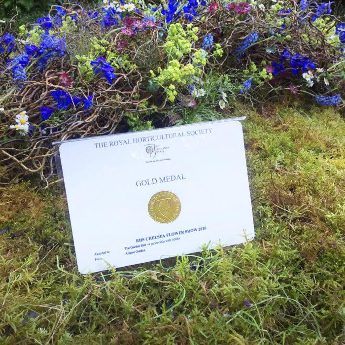 94-chelsea-flower-show-2016-garden-bed-gold-medal