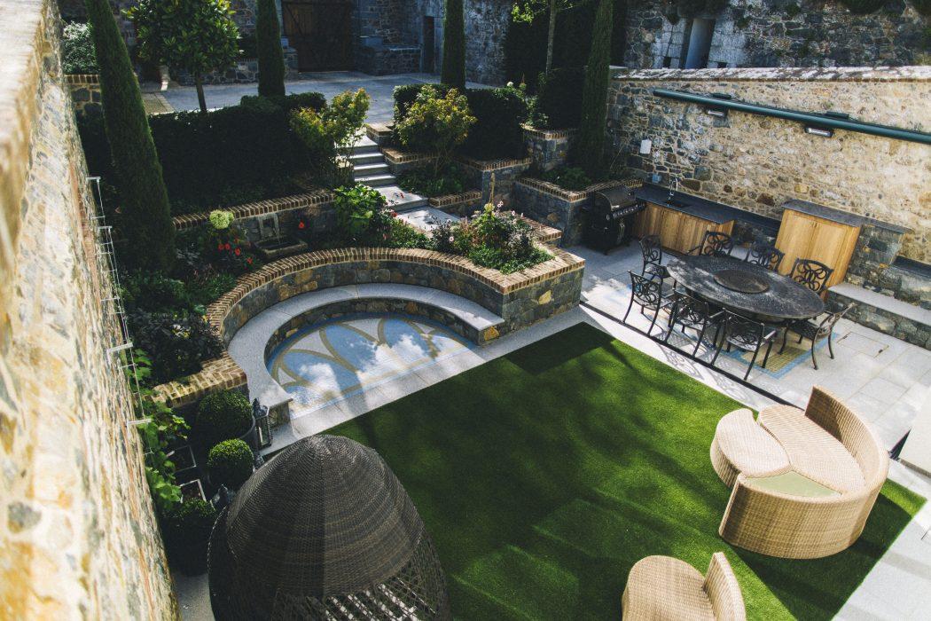 14 cosy artistic welch landscape design