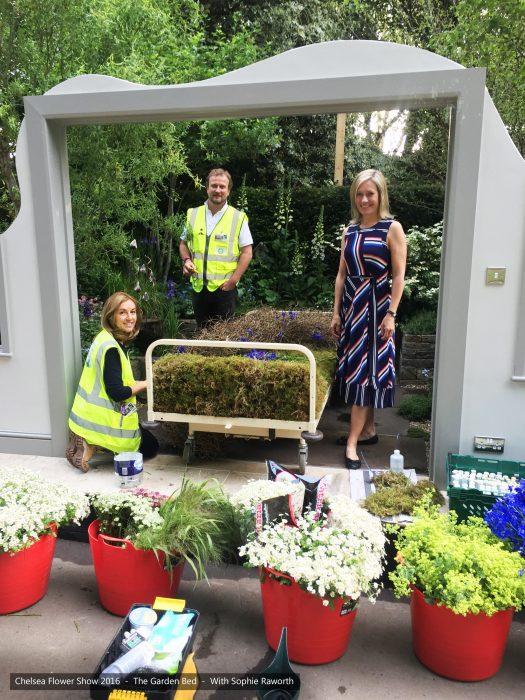 27-chelsea-flower-show-2016-garden-bed-floristry-sophie-raworth