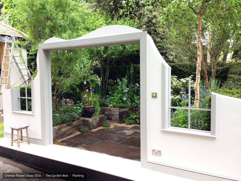 30-chelsea-flower-show-2016-garden-bed-planting