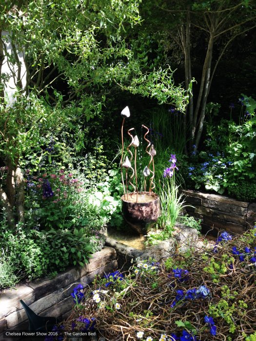 55-chelsea-flower-show-2016-garden-bed-water-feature-fountain